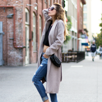trench coat x jeans